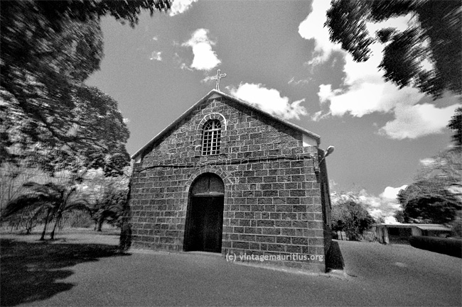 Baie-du-Tombeau-Church