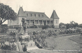 Curepipe - The Town Hall & Garden - 1930s