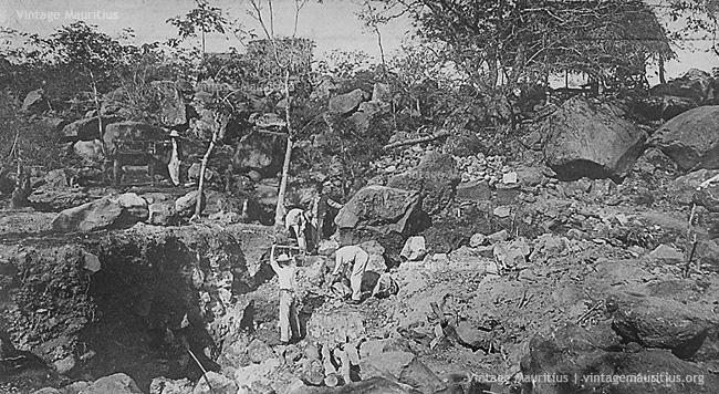 Flic en Flac - Treasure Hunt - Baie du Corsaire - 1908