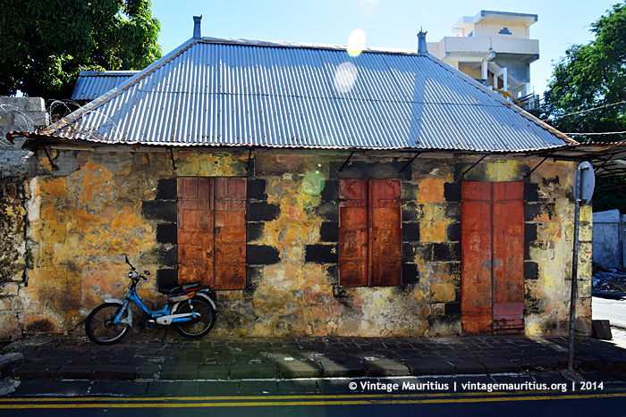 Port Louis - Old Colonial Building - Dauphine Street