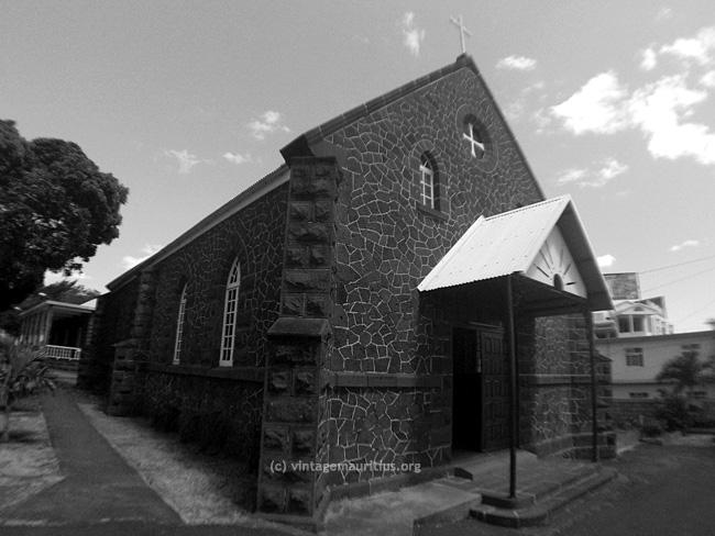 Pailles-St-Vincent-de-Paul-Church