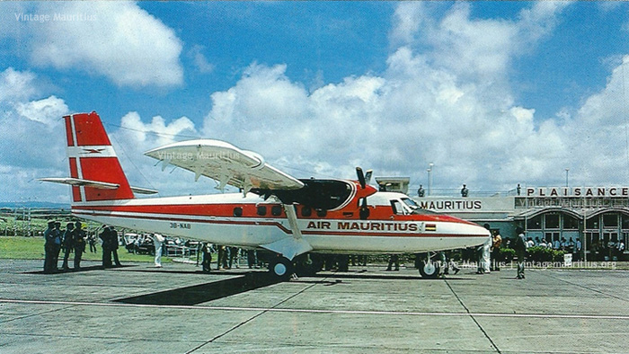 Piper Navajo - Official Rodrigues Flight - 1972 - Air Mauritius 1975 image