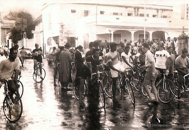 Port Louis Course Cycliste - Old Port Louis Town Hall - 1958