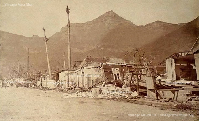 Port Louis - Cyclone 1892 - Wellington Street - Houses Destroyed