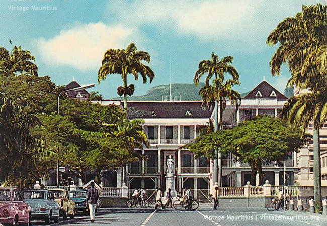 Port Louis Place Darmes 1976