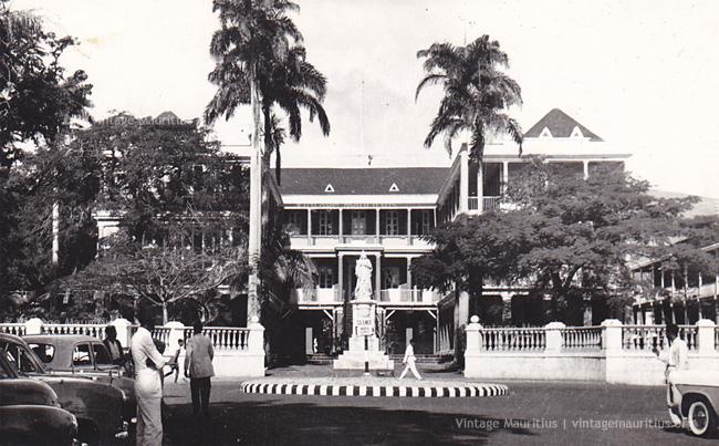 Port Louis - Place D'Armes - Government House - 1960s