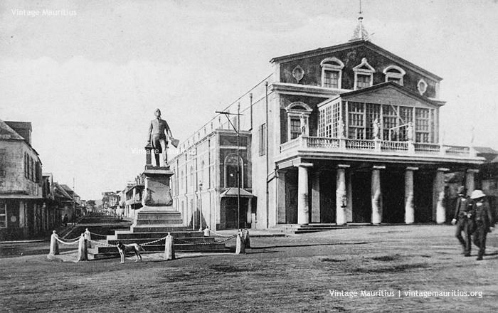 Port Louis Theatre - Pope Hennessy Statue - 1910s