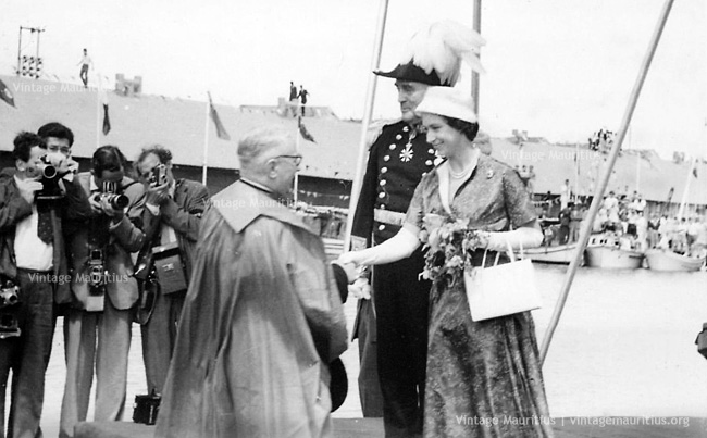 HRH Princess Margaret Visits Mauritius - Welcome by Bishop - 29.09.1956
