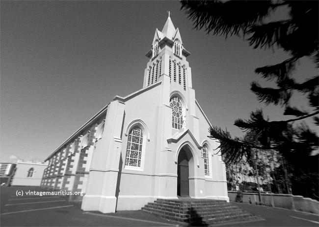 Quatre-Bornes-St-Jean-Church