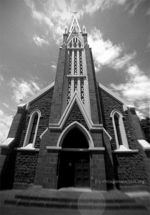 Rose-Hill-Mont-Martre-Church