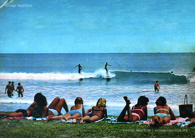 Tamarin Bay - Surfers, Waves and Chicks - 1960s